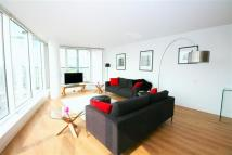 2 bed Flat to rent in Basin Approach Limehouse...