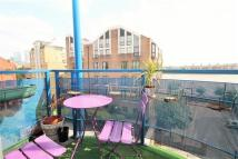 2 bed Flat in Unicorn Building Jardine...