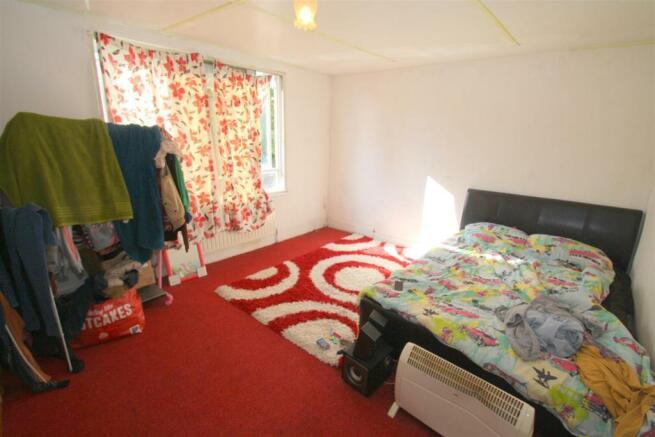 Flat 53 Sandlig Road - Bedroom.JPG