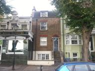 Apartment to rent in New Road, Chatham