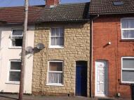2 bedroom Terraced house to rent in Roberts Street, Rushden...