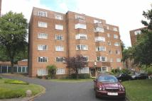Flat for sale in Viceroy Close...