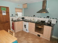 2 bed Terraced house to rent in Cross Street...
