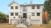 4 bed Detached house in Woodhurst Road...