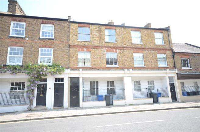 2 Bedroom Apartment For Sale In Kings Road Windsor Berkshire Sl4