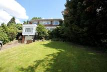 3 bedroom property in Hillbrow Road, Bromley