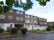 Flat to rent in Tavistock Road, Bromley