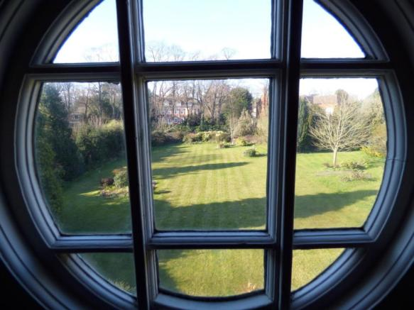 Feature window and g