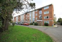 Ground Flat to rent in Sycamore Close, Northolt...