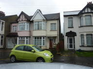 3 bed semi detached home to rent in South Avenue...