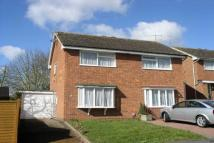 2 bed semi detached house to rent in Hicks Close