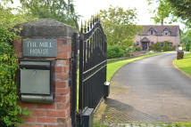 Detached home in Mill House...