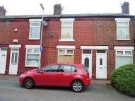 2 bed property in Oldham Street, Latchford...