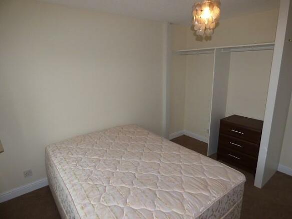 Bed 1 b