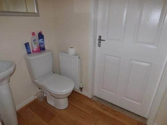 Downstairs En Suite