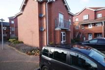 Ground Flat to rent in Old Hall Gardens...