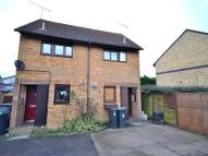 2 bed home in Loompits Way...