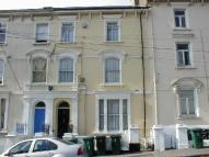 Clytha Square Flat to rent