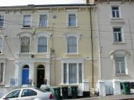 Flat to rent in Clytha Square, Newport...