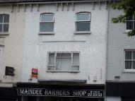 Flat to rent in 98 Chepstow Road...