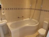 1 bed Ground Flat to rent in Commercial Road, Newport...