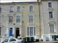 4 bed Flat to rent in Flat 4, Clytha Square...