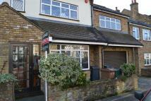 5 bedroom semi detached property in Beverley Road...