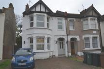 Flat for sale in Studley Avenue...