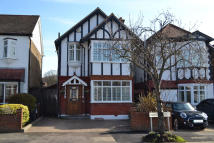 4 bedroom Detached house for sale in Clivedon Road...