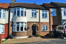 4 bedroom property for sale in Abbotts Crescent...