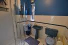 G/floor bathroom