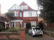 3 bedroom Flat in ARLINGTON ROAD...
