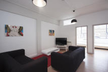 3 bed Apartment in Long Street, London, E2