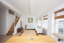 1 bedroom Apartment to rent in Dufferin Avenue, London...