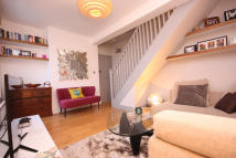 Duplex to rent in COLUMBIA ROAD, London, E2