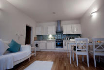 Flat to rent in Phipp Street, London...