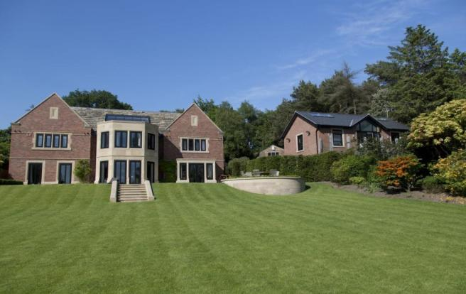 6 Bedroom Detached House For Sale In Macclesfield Road
