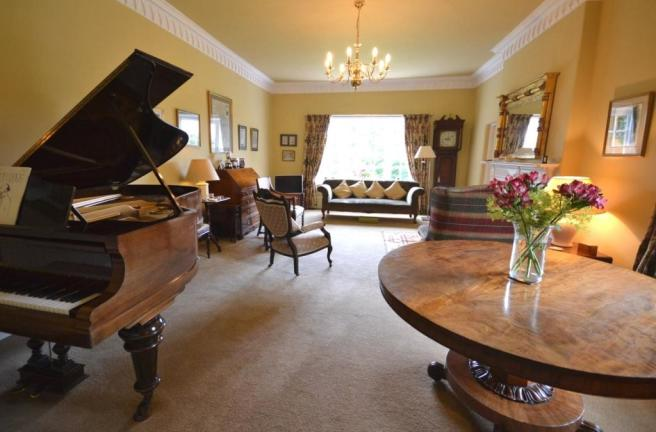 Bedroom 4  / Lounge