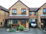 Link Detached House in Pipers Close...