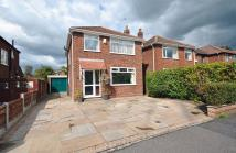 3 bedroom Detached house in Milton Drive, Poynton