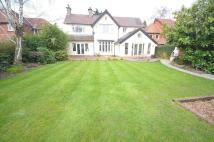 4 bed Detached property in Chester Road, Poynton