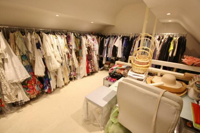 Loft/Dressing Room