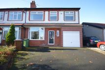 4 bed semi detached property to rent in Pennine Road, Woodley