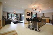 4 bed Detached house in Macclesfield Road...
