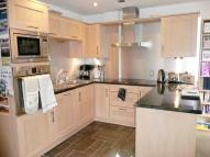 2 bedroom Apartment to rent in Central Place...