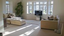 2 bed Mews to rent in Highgrove...