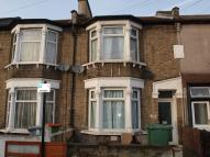 Flat for sale in Forest Gate, E7