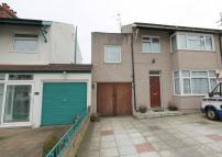 4 bedroom semi detached property in Oxford Road...
