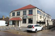 Flat for sale in Avenue Road, Sutton...