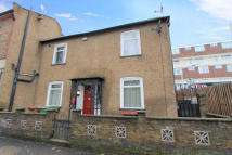 3 bedroom End of Terrace property for sale in Manor Road, Wallington...